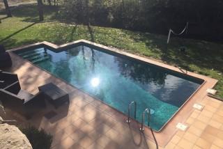 Revestimiento convencional en piscina rural