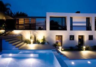 Iluminación de piscina con led interior y exterior