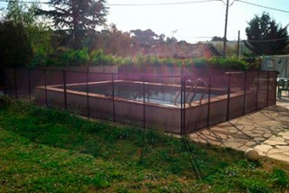 Valla alrededor de piscina